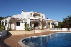 18 Pool villa