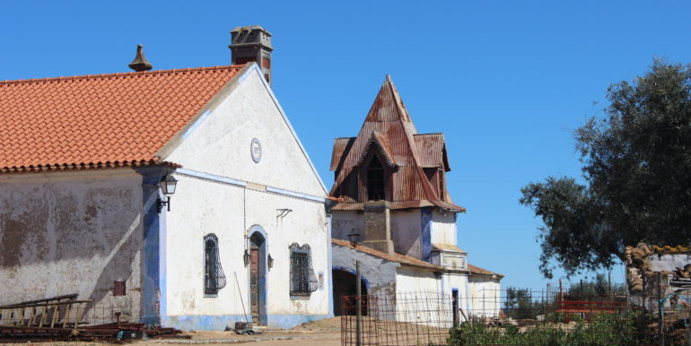 AGR1912 02 house birdhouse