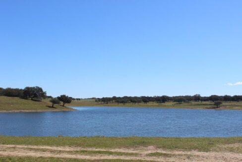 AGR1912 04 lake