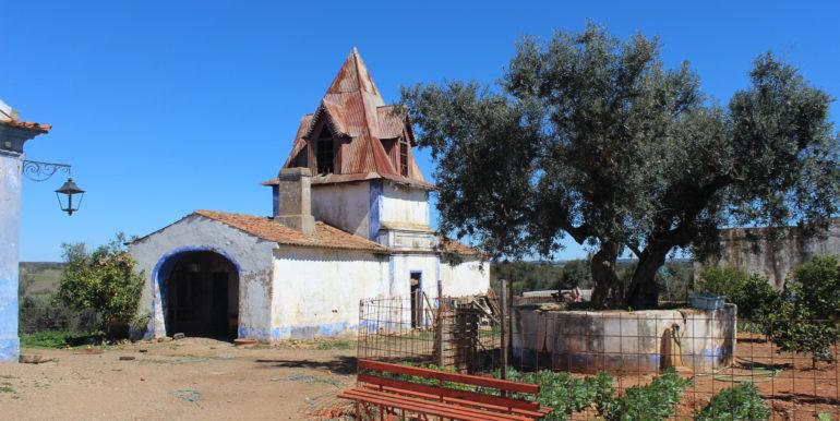 AGR1912 05 birdhouse