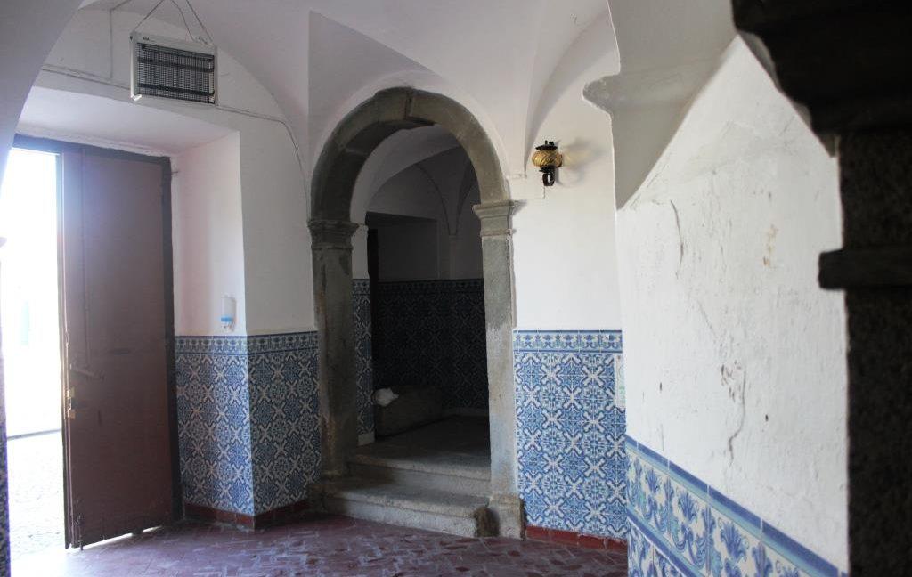 B1922 10 hall
