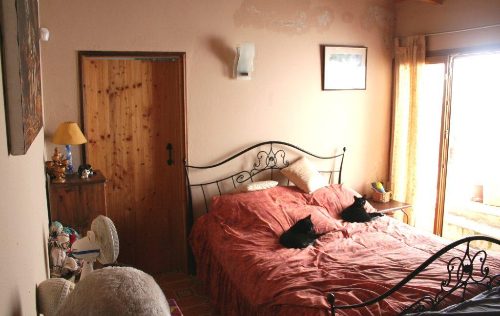 C1374 28 bed