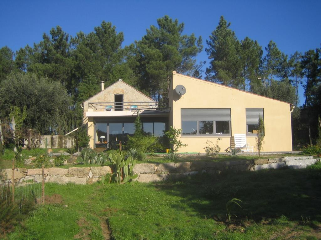 Villa, consisting of two independent houses near Nelas, Serra das Estrelas