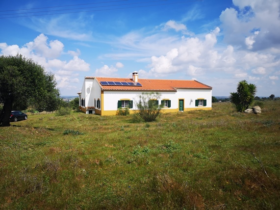 Typical Alentejo Monte, 3-bedrooms,  5 min from Beja.