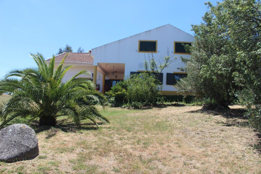 A large beautiful Quinta, 5-bedroom, pool, 16 ha
