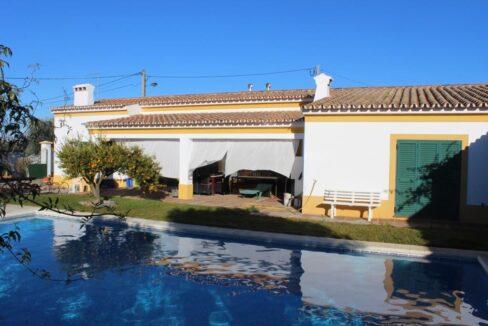 V1821 01 pool villa