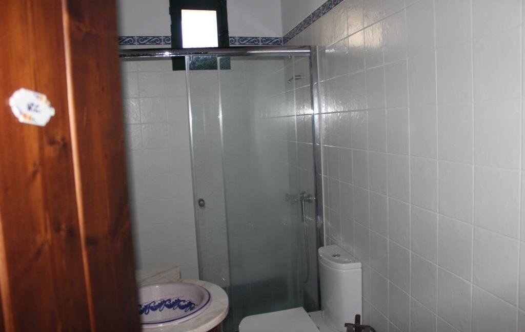 V1821 09 bath