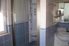 V1829 07 bath