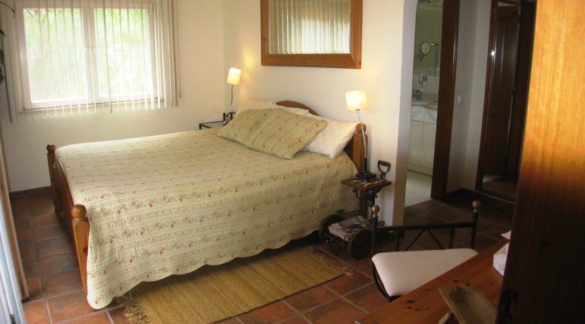 V1829 14 bed