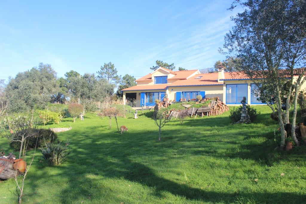 A beautiful 3-bedroom villa in a quiet area with amazing country views and sunset.