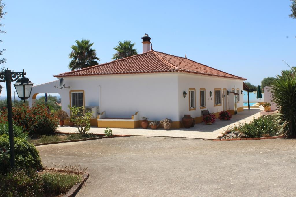 A excellent maintained Estate, Alentejo, 5 bedrooms with pool and plunge pool
