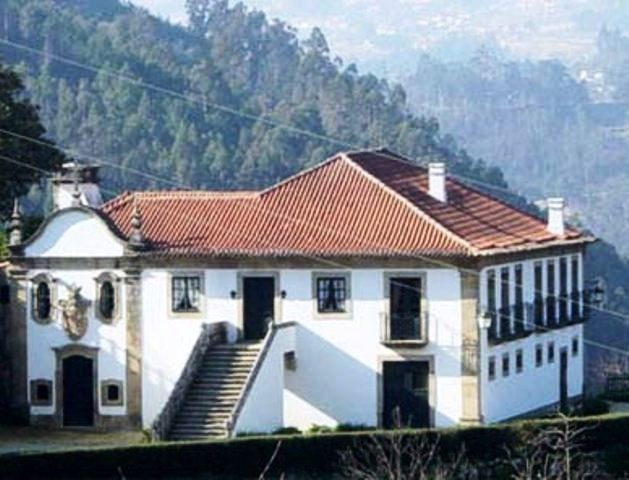 A Beautiful 17th century Manor House at the Douro river, near Porto