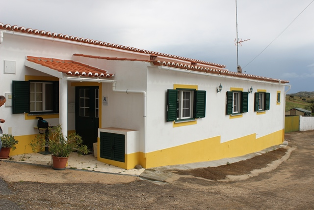 A very well maintained 2-bedroom traditional cottage in a small quiet village, Bens near Mertola